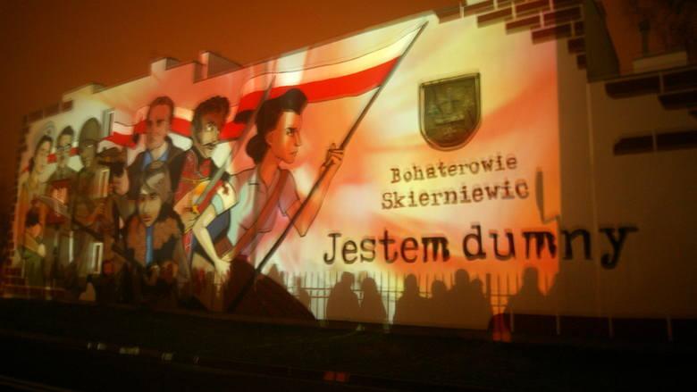"""""""Ożywienie"""" muralu w ramach podsumowania akcji """"Jestem dumny"""" w Skierniewicach [ZDJĘCIA]"""