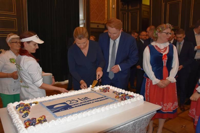 10 września Kujawsko-Pomorski Oddział Regionalny Agencji Restrukturyzacji i Modernizacji Rolnictwa w toruńskim Dworze Artusa obchodził jubileusz 25-lecia