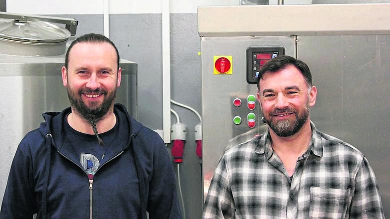 Tomasz de Weyher i Wojciech Naklicki w tym roku wystartowali z produkcją w Browarze Stargard. Do tej pory na rynku pojawiło się pięć piw reprezentujących