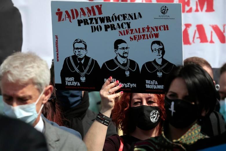 21.04.2021 warszawa blokada sadu najwyzszegon/z fot. adam jankowski / polska press
