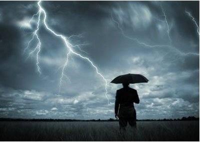 Prognoza pogody na weekend: Grad, burze i silny wiatr! Będzie też bardzo gorąco