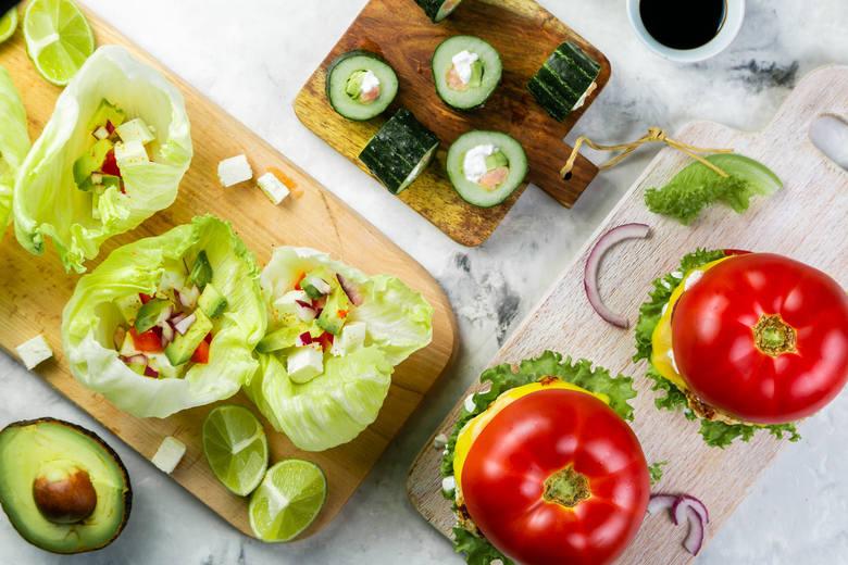 W latach 90. XX wieku, standardowy Polak spożywał dziennie 124 g owoców dziennie i 328 gramów warzyw – co daje 452 g dziennie. W 2013 roku spożycie owoców
