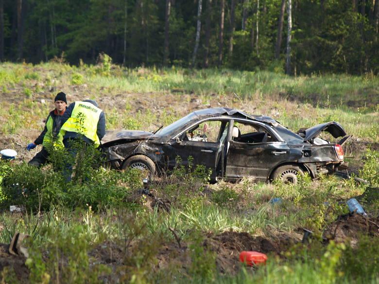Śmiertelny wypadek drogowy pomiędzy Białobielą a Durlasami 18.05.2016 (zdjęcia)