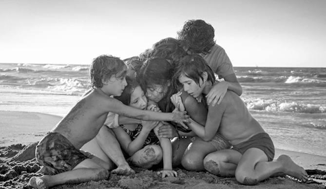 """""""Roma"""" Alfonso Cuarona to intymna opowieść<br /> o dawnym Meksyku, tkana ze wspomnień reżysera"""