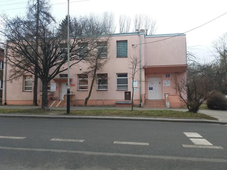 W poradni przy ul. Wileńskiej 25 pacjenci mogą korzystać z wizyty u lekarza poz-u w dniu zapisu