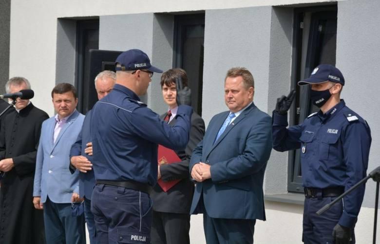 Słobódka. Nowy posterunek policji oficjalnie otwarty. Obecni byli szef podlaskiej policji Robert Szewc oraz poseł Jarosław Zieliński [FOTO]