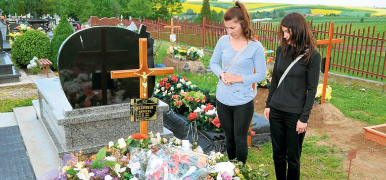 - Ojcu życia nie wrócimy, ale może uchronimy innych - mówią córki Władysława Sanockiego z Orzwchowiec.