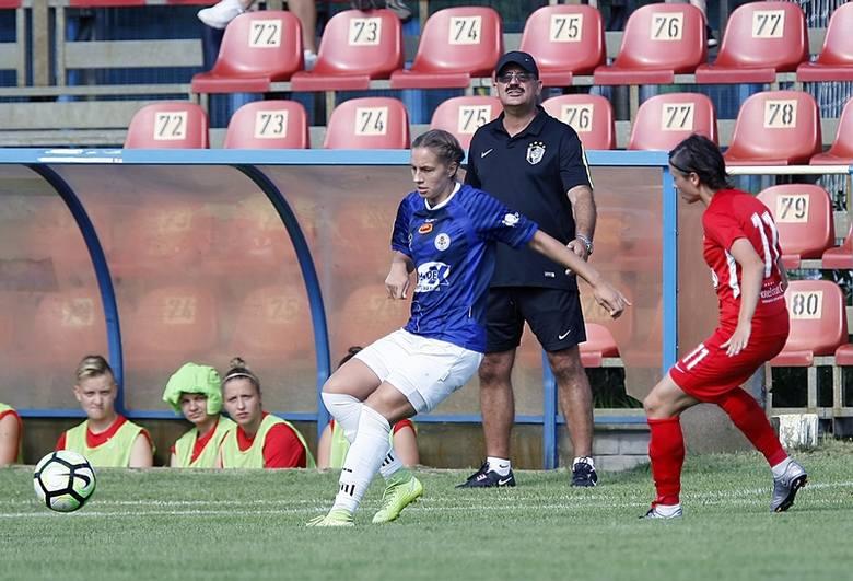 Futbol kobiet.  UKS SMS podejmuje  dziś AZS Uniwersytet  Jagielloński
