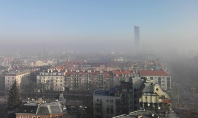 Smog we Wrocławiu. Tak źle jeszcze w tym roku nie było! Mamy najgorsze powietrze w Europie