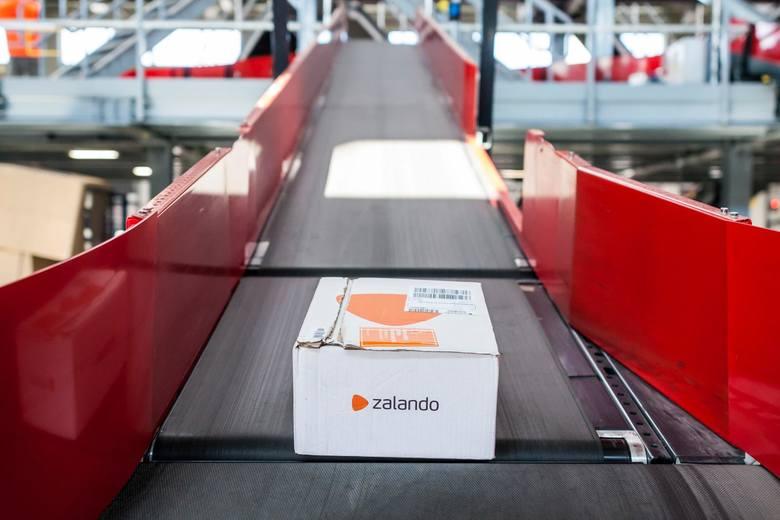 Przedstawiciele firmy chwalą się, że Zalando zostanie pierwszą platformą modową, która oferuje tak proste rozwiązanie.