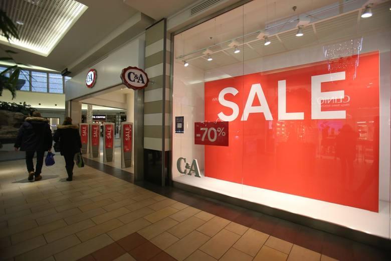 Zamknięcie galerii handlowych w grudniu sprawiło, że sklepy z dnia na dzień podjęły decyzję o rozpoczęciu wyprzedaży wcześniej.