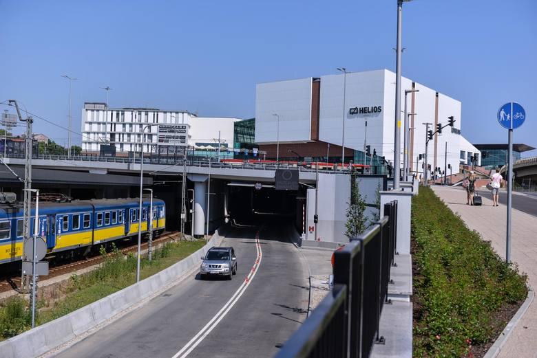 W sobotę 2 czerwca 2018 otwarto ulicę Nowe Podwale Grodzkie w tunelu pod Forum Gdańsk oraz tunel pieszy przy ulicy Toruńskiej w Gdańsku.