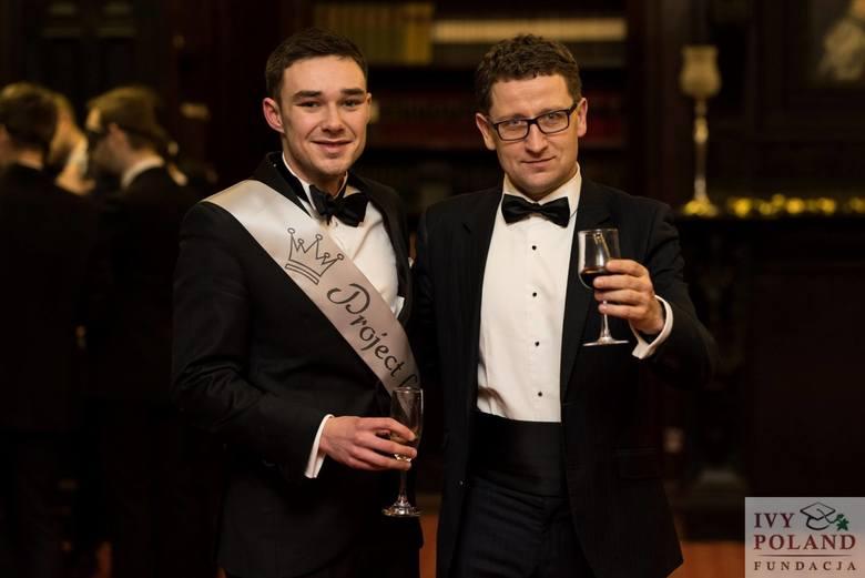 Jakub Nagrodzki (z lewej) z prezenterem telewizyjnym Grzegorzem Nawrockim - Prezesem Oxbridge Society of Poland i absolwentem Uniwersytetu Cambridge