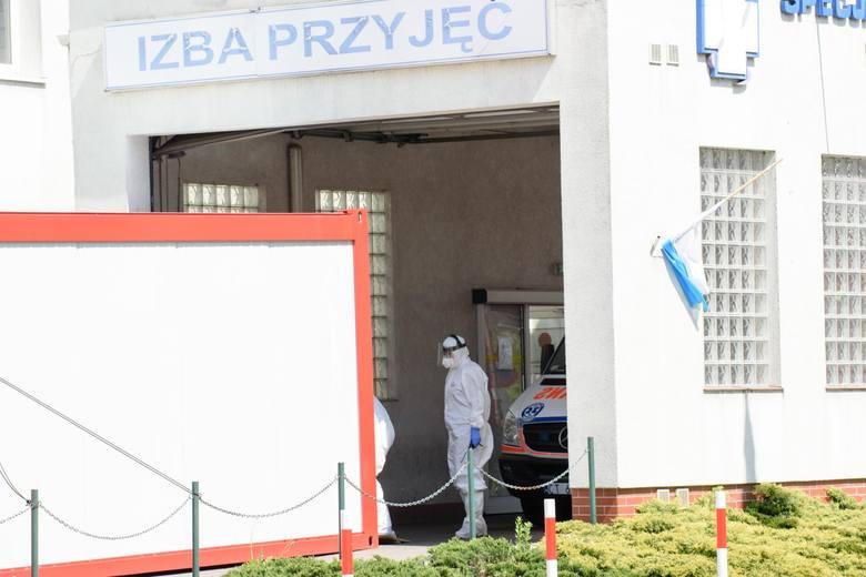 W każdy weekend  (jak co tydzień, już od początku kwietnia) przeprowadzana jest dezynfekcja gmachu urzędu marszałkowskiego, tzw. zmgławianie pomieszczeń