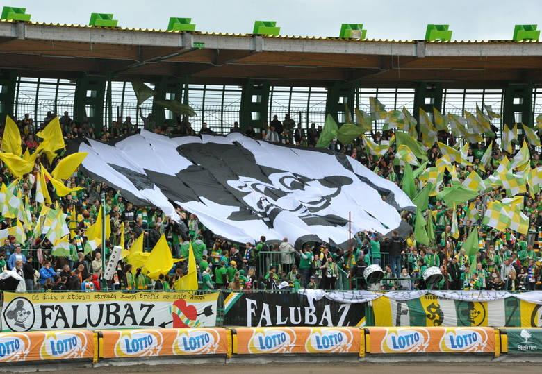 Kibice Falubazu Zielona Góra w środowisku żużlowym słynną z efektownych opraw, szczególnie na zielonogórskim stadionie przy W69. Ich doping wielokrotnie