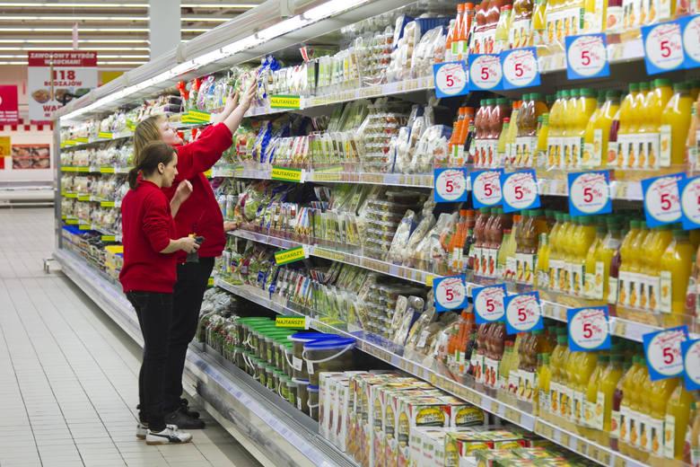 Żywność odnotowała ponadprzeciętny wzrost cen, za co odpowiada drożejąca mąka i chleb, warzywa i cukier.