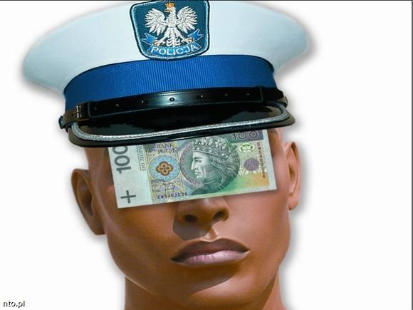 Naczelnik drogówki w Prudniku: 'Nie wracać ze służby bez 8 mandatów!'. Posłuchaj nagrania