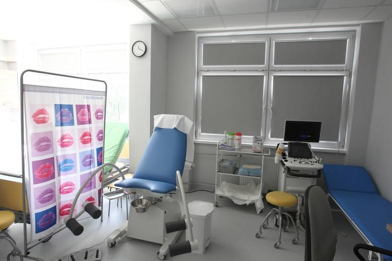 Łodzianka,  spodziewając się dziecka, pozostawała pod opieką lekarza w placówce, która obecnie nosi nazwę Miejskie Centrum Medyczne im. dr. K. Jonschera.