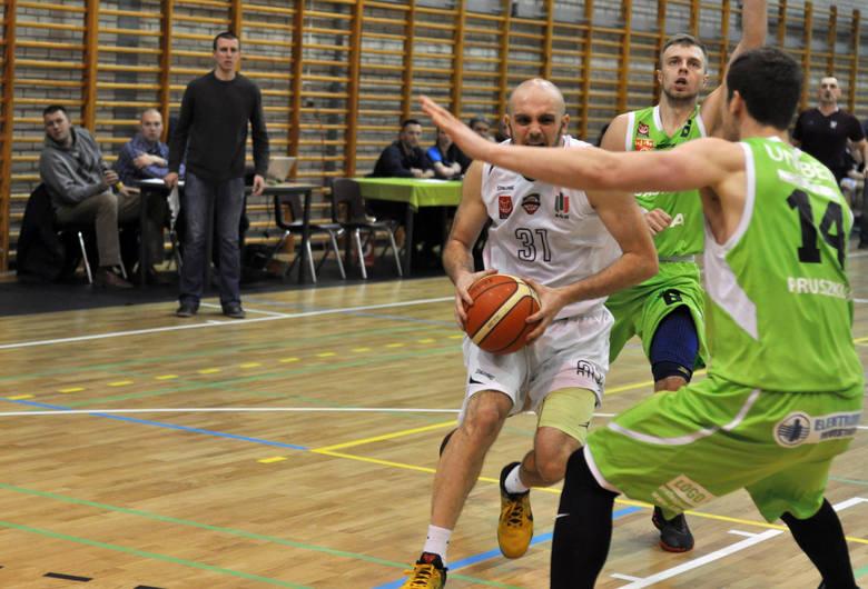 Jakub Krawczyk (z piłką) jest czołowym graczem AGH