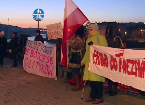 Pod siedzibą PiS w Przemyślu protestowano przeciwko ustawie represyjnej [WIDEO]