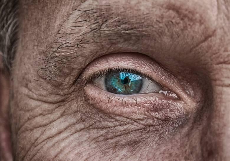 Choroba Parkinsona. 8 sygnałów ostrzegawczych
