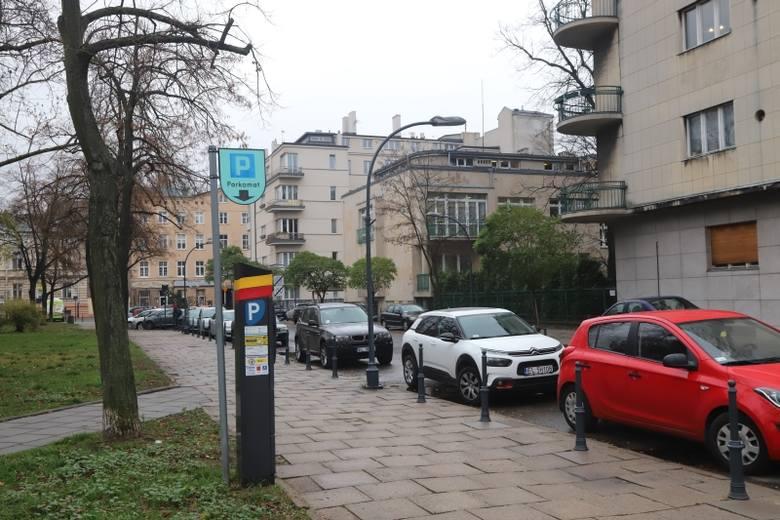 Kierowców parkujących w centrum czeka rewolucja. Mandaty za parkowanie bez wniesienia opłaty w Strefie Płatnego Parkowania  od 1 marca 2019 r. nie będą