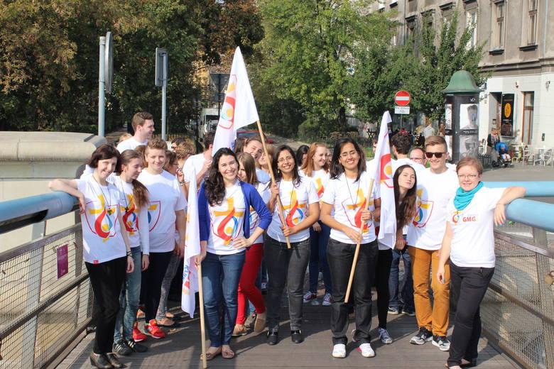 Wolontariusze komitetu organizacyjnego ŚDM Kraków 2016 pochodzą z wielu krajów świata