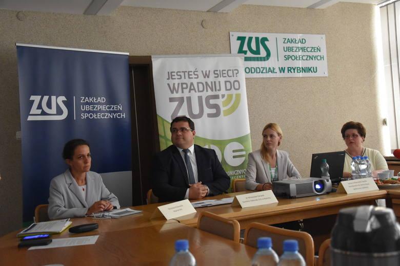 500+ dla osób niesamodzielnych: Wnioski można składać już w ZUS w Rybniku. 16155 osób uprawnionych z okręgu rybnickiego