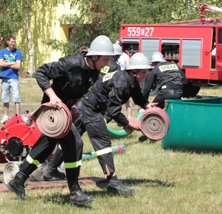 Gminne zawody sportowo - pożarnicze w Płużnicy