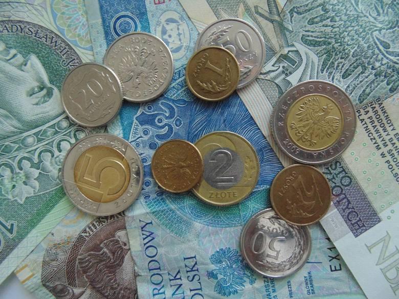 Płaca minimalna co roku stanowi efekt ustaleń członków Rady Dialogu Społecznego, w skład której wchodzą przedstawiciele biznesu, rządu i związków zawodowych.