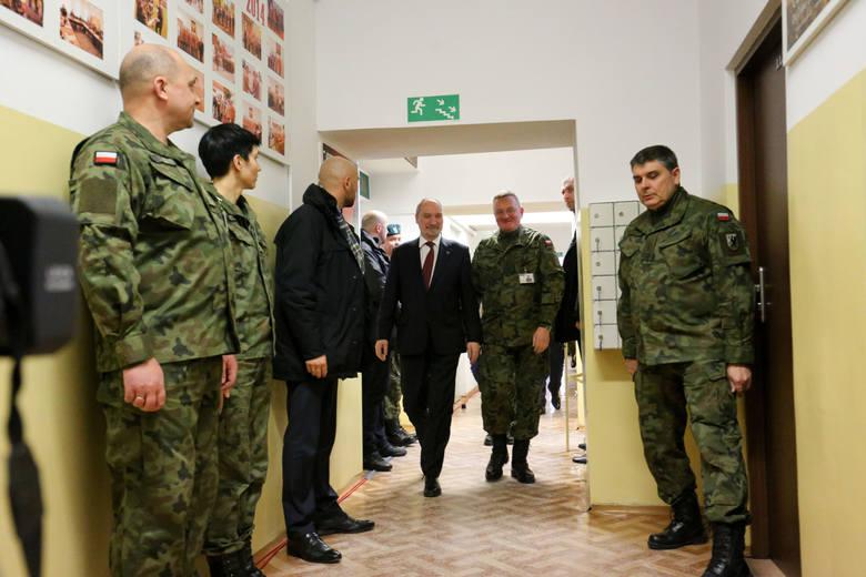 WOT. Czują się patriotami. Chcą wstąpić do armii ministra Macierewicza
