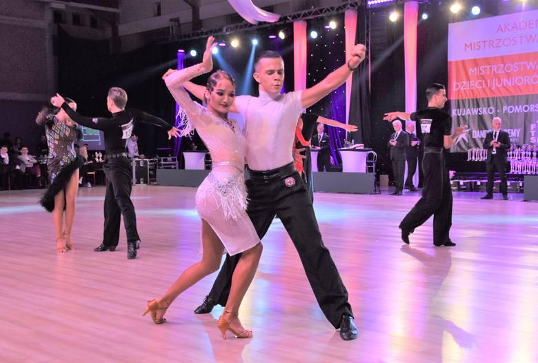 """Przez kilka lat festiwale taneczne  z udziałem Iwony Pavlović , znanej z programu  """"Taniec z Gwiazdami"""", organizowano jesienią w hali sportowej w Koronowie."""