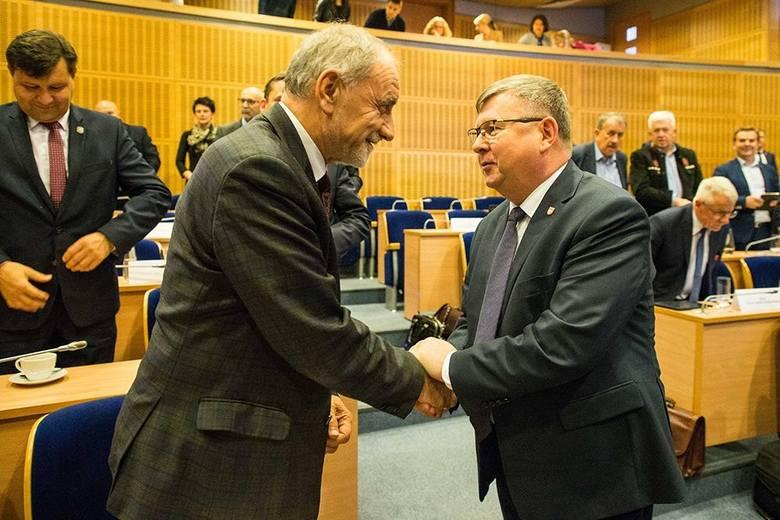 Ojciec prezydenta Dudy przewodniczącym małopolskiego sejmiku, były europoseł w Zarządzie Województwa