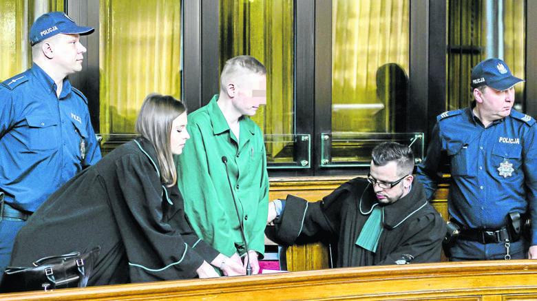 Marcin P. oraz Katarzyna P. zostali doprowadzeni przed sąd. Prokurator z Łodzi odczytał w poniedziałek akt oskarżenia.