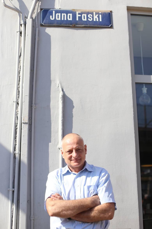 Jan Faska, katowicki lekarz, poznał dziadka z opowiadań swojego ojca Mirosława Faski, z rodzinnych pamiątek, publikacji. Urodził się już po jego śmi