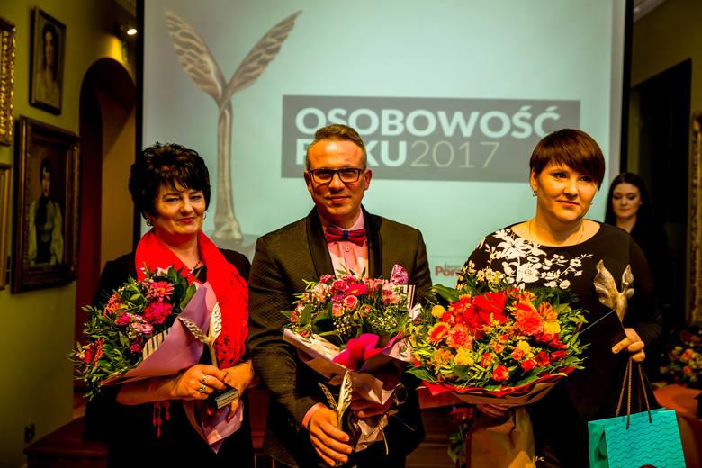 Osobowość Roku 2017 - Działalność społeczna i charytatywna1. Emilia Kochańska (z prawej)2. Krzysztof Ślusarczyk3. Bożena Pogorzelska (z lewej)