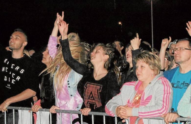 Suwalczanie doskonale bawili się na koncercie gwiazdy.