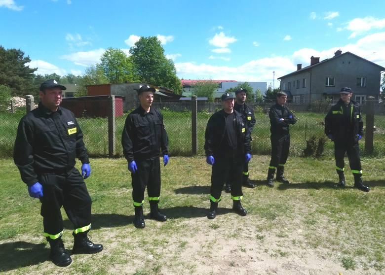 Czarnia. Strażacy ochotnicy na zbiórce szkoleniowej. 31.05.2020. Zdjęcia