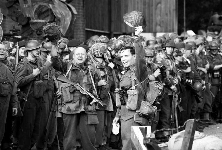 Podczas rekonstrukcji w Łabiszynie byliśmy już świadkami m.im. potyczek pod Budziszynem, Driel, Falaise, Osterbeek czy operacji Varsity.