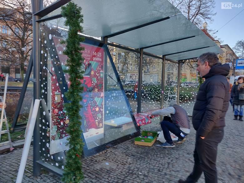 Świąteczny przystanek w Szczecinie. Najpiękniej udekorowany w Polsce! Prawda? [ZDJĘCIA]