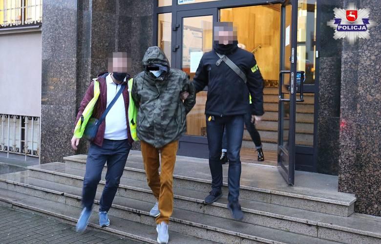 Policjanci zatrzymali dwóch mężczyzn podejrzanych w sprawie śmiertelnego postrzelenia 16-latka w Kluczkowicach. Zatrzymani to dwaj mieszkańcy gminy Opole