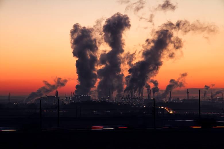 Zanieczyszczenie powietrzaMusimy niezwłocznie zmniejszyć zanieczyszczenie powietrza, ograniczając emisję metanu, fluorowęglowodorów, sadzy i innych związków
