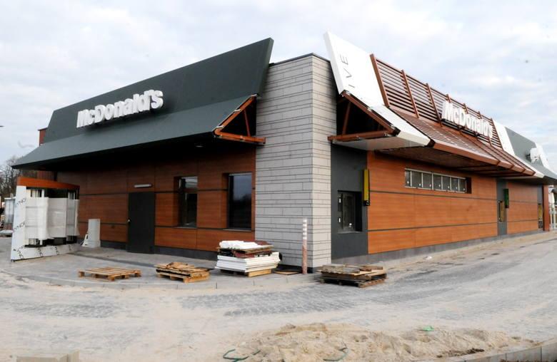 Restauracja McDonald's w Sulechowie jest już prawie gotowa na przyjęcie pierwszych gości. Właśnie urządzane jest jej wnętrze. Nowa restauracja McDonald's