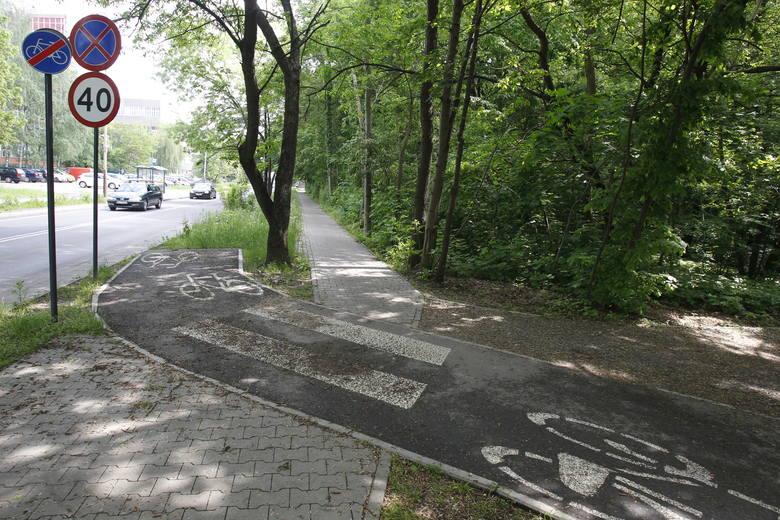 Na osiedlu Mania w ostatnich latach powstają kolejne drogi rowerowe: najpierw na alei Unii i ulicy Srebrzyńskiej, potem na ulicach Biegunowej i Solec.