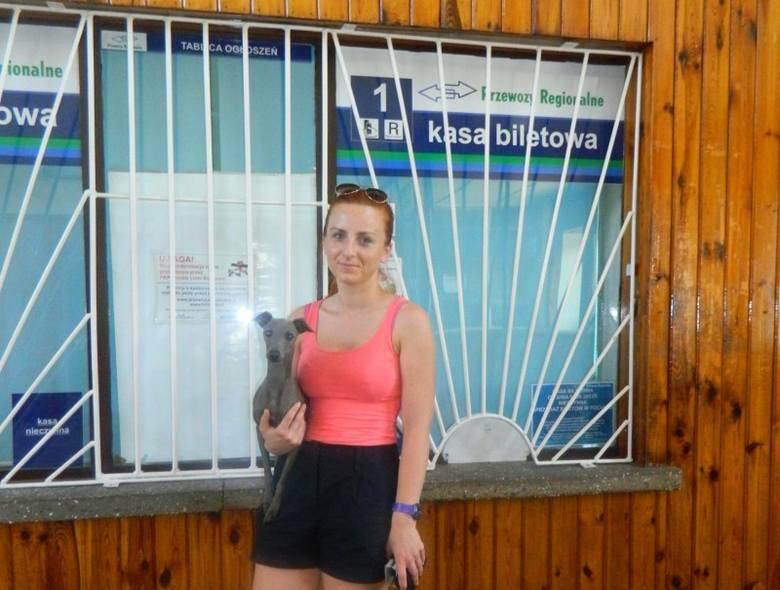 Nieczynne kasy to wielkie utrudnienie dla pasażerów - mówi Adriana z Olesna.