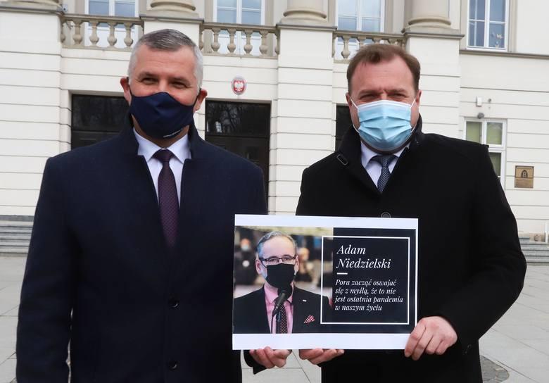 Wicemarszałek Rafał Rajkowski (z lewej) i prezydent Radosław Witkowski skomentowali decyzję o braku pieniędzy z Rządowego Funduszu Inwestycji Lokaln