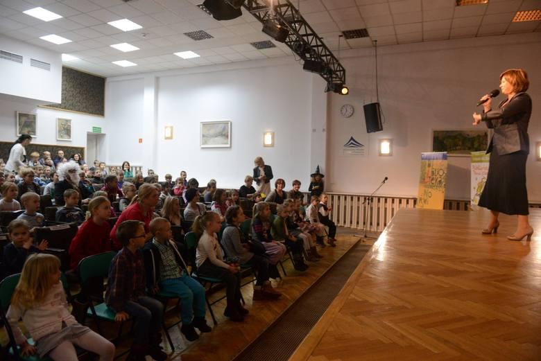 Edyta Jungowska na otwarciu Centrum Bibliotecznego dla Dzieci i Młodzieży w Bibliotece Norwida w Zielonej Górze w 2016 roku