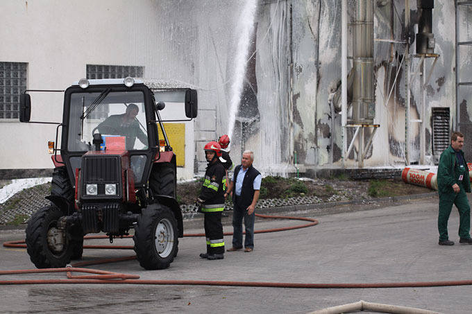 Pożar w Froście [wideo i zdjęcia]