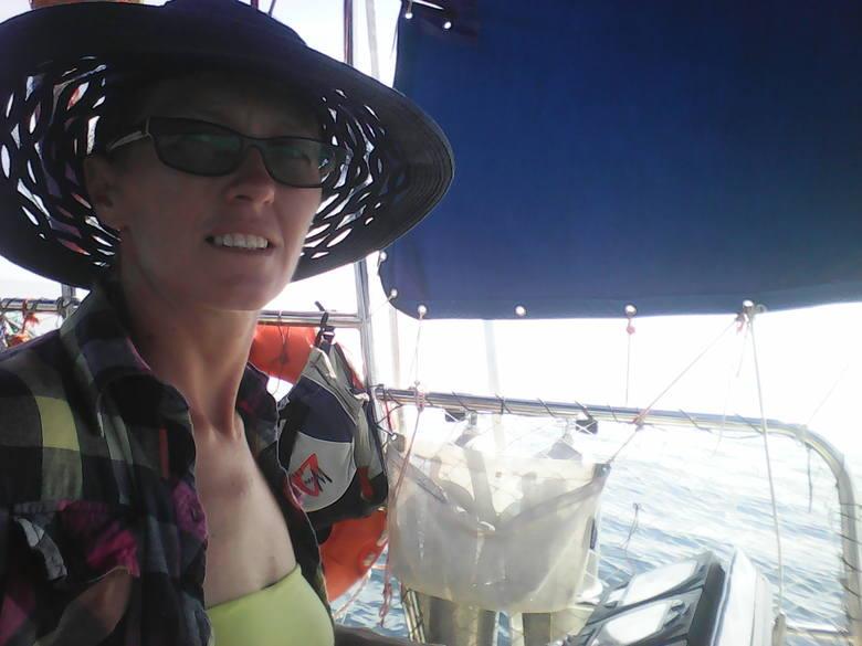 """Monika Bronicka, utytułowana żeglarka i mama trójki małych żeglarzy oraz autorka """"Przygody na rafie"""""""