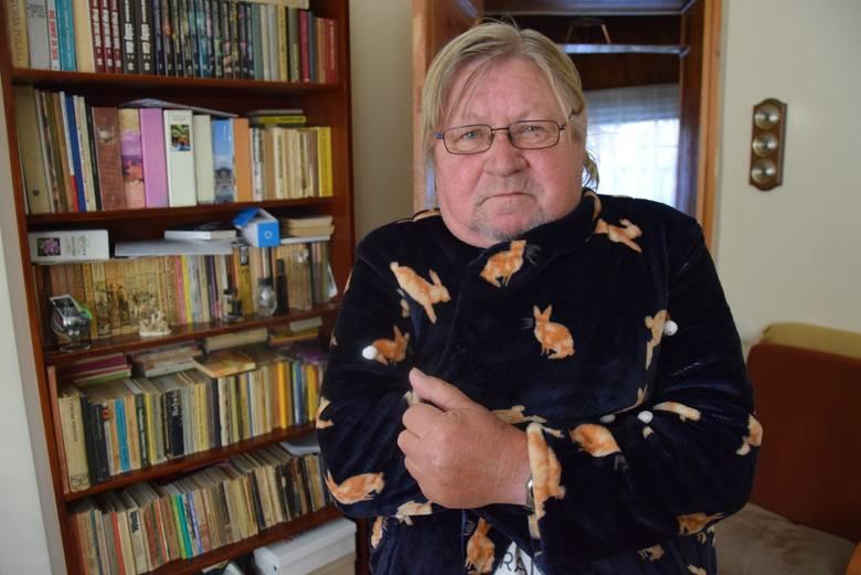 - Przydałby się już lekki rozruch kaloryferów – mówi Tadeusz Kąkolewski.